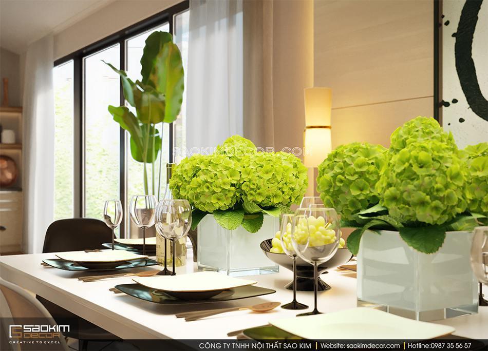 Những chậu hoa cẩm tú cầu xinh xắn đặt trên bàn ăn