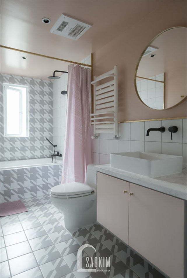 Không gian phòng tắm sạch sẽ, thoáng mát