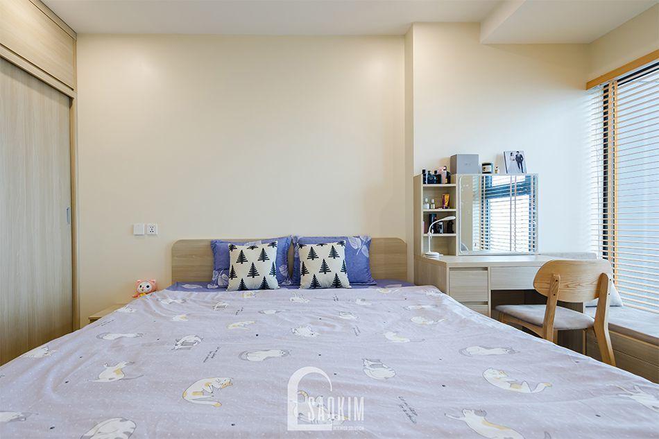Không gian phòng ngủ trong mẫu thiết kế nhà chung cư đẹp 80m2 rộng thoáng, tươi mới
